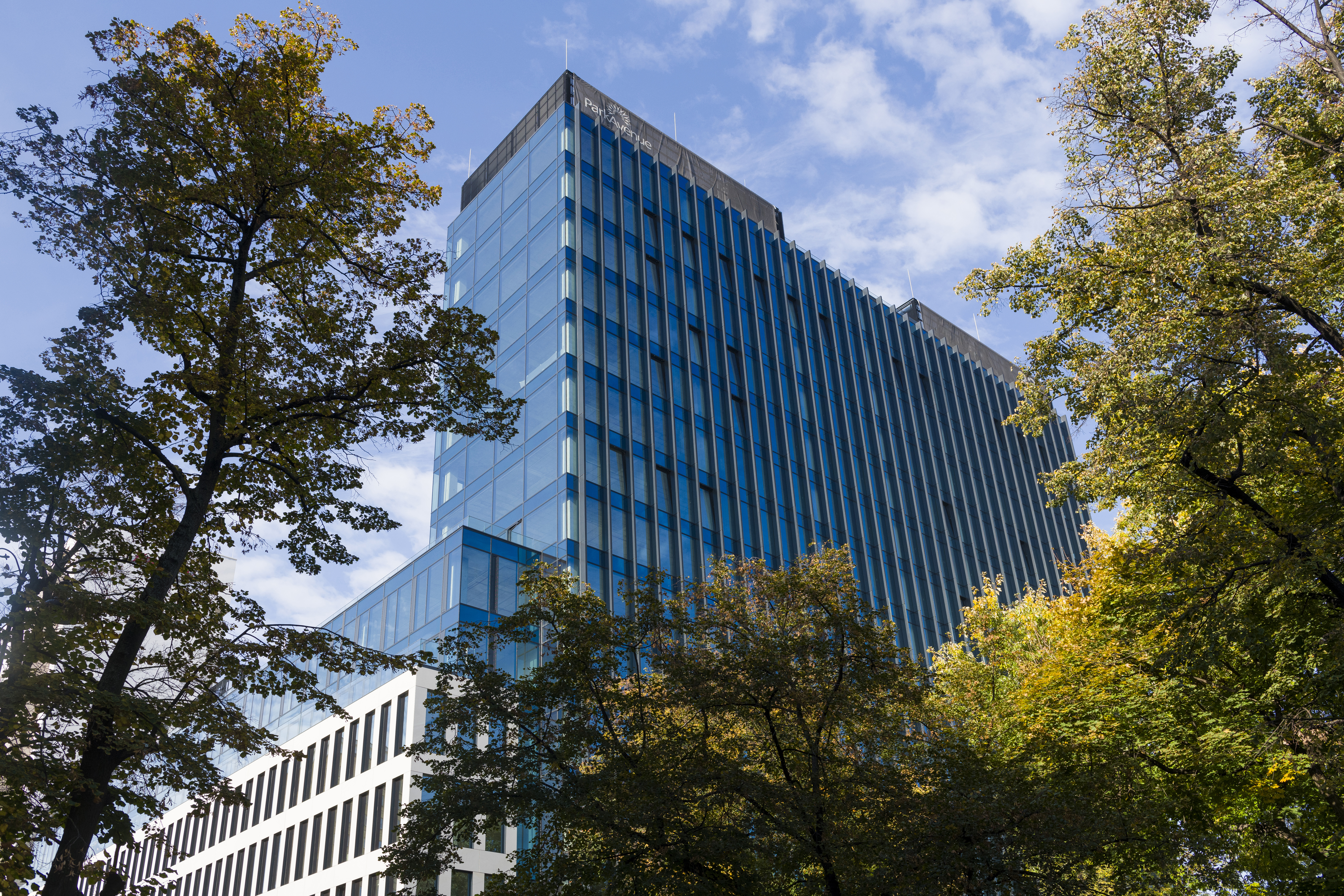 WICONA aluminium systems combine flexibility with high performance at Park Avenue in Warsaw