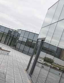 External shot of Hiscox, York 04 - WICONA Project