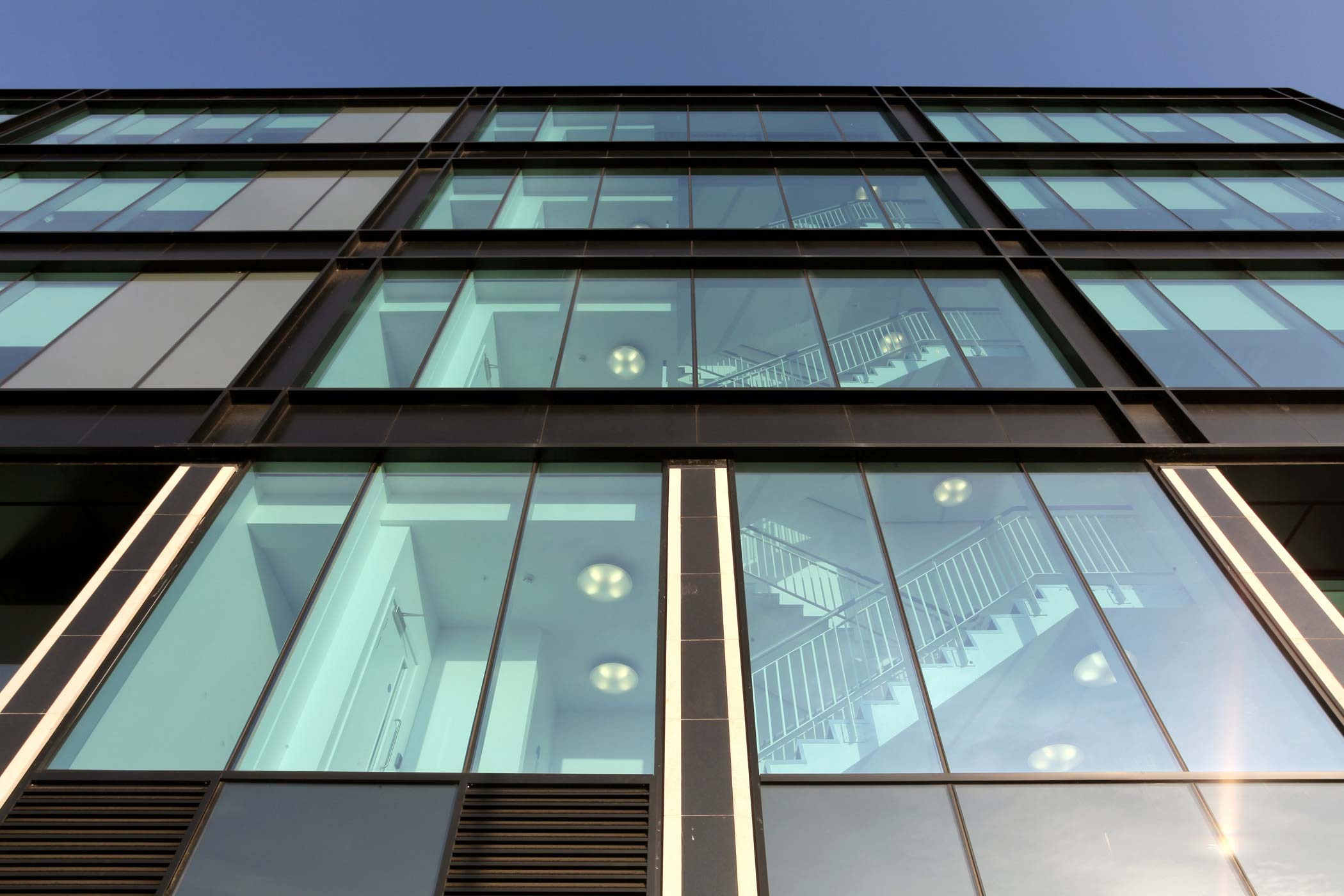 5 000m2 Of High Specification Wicona Curtain Walling For